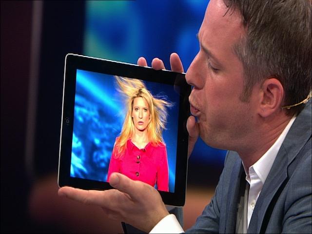 Show Act Simon Pierro begeistert als iPad Zauberer